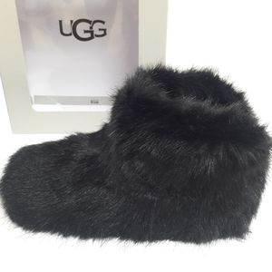 New UGG Amary Slippers Size 6